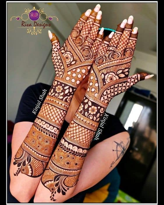 Bridal Heavy back hand mehndi designs