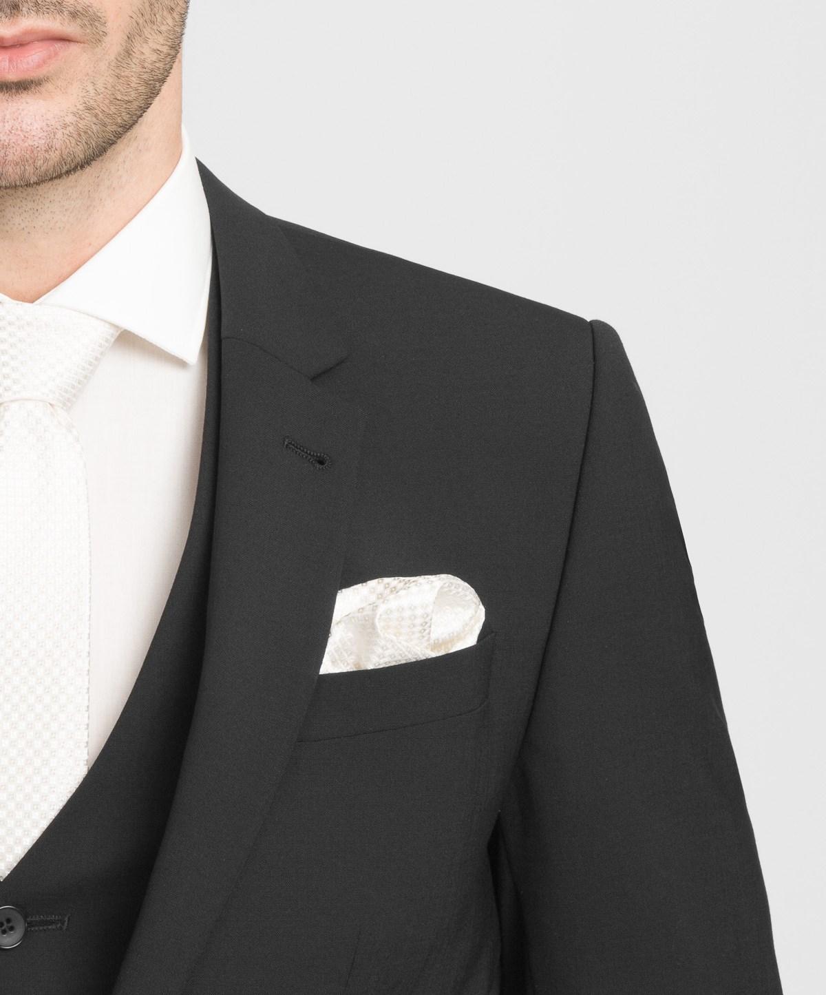 γαμπριατικα κοστουμια