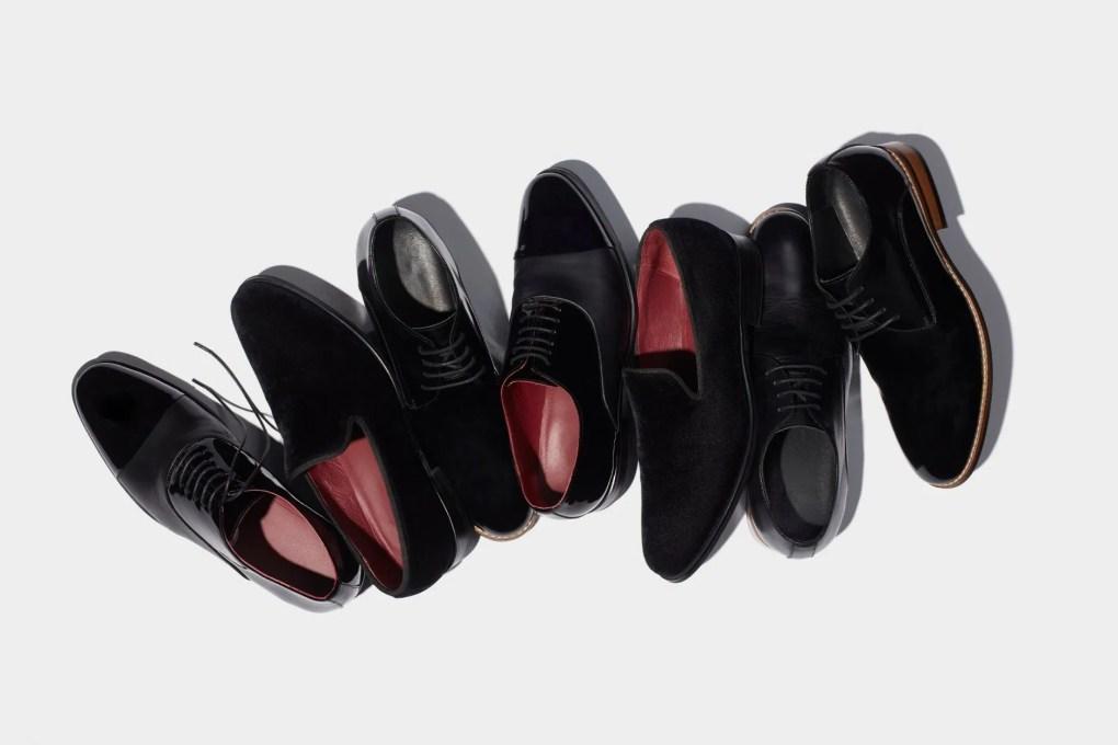 διαφορά σμόκιν κοστούμι παπούτσια μαύρα