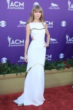 She arrived at the Academy Of Country Music Awards, held in Las Vegas, wearing a J. Mendel dress.