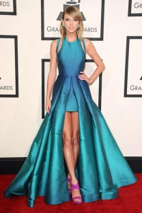 She wore an Elie Saab dress, styled with Giuseppe Zanotti heels and jewellery by Lorraine Schwartz and Ofirapave to the Grammy Awards.