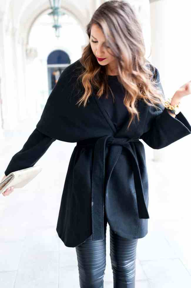 Dress Up Buttercup // A Houston-based fashion travel blog developed to daily inspire your own personal style by Dede Raad | Coat Wrap in Vegas