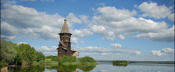 Старое и новое деревянное зодчество России.