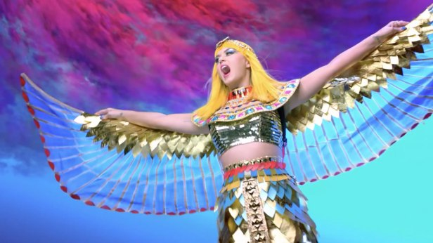 Katy Perry - Dark Horse Music Video 09