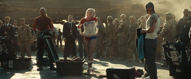 suicide-squad-blitz-trailer-still-harley-quinn-getting-dressed