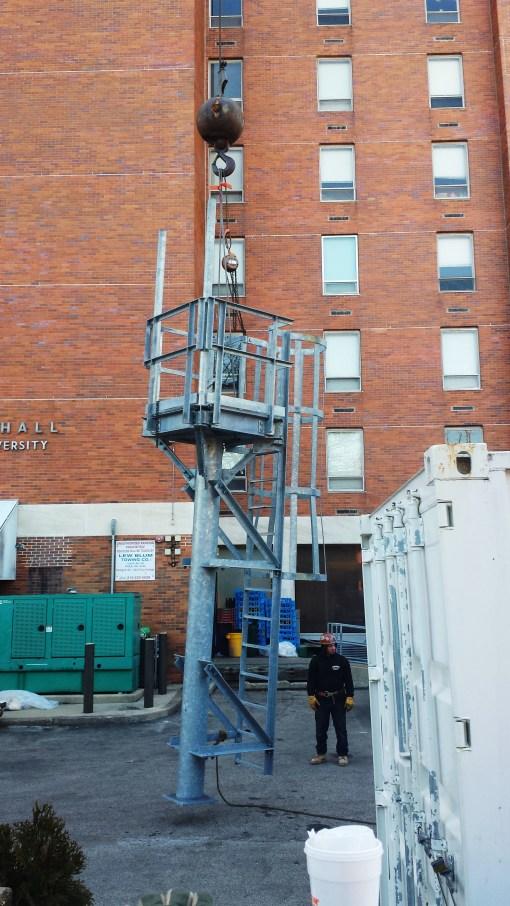 Millennium antenna_Mast at Ground