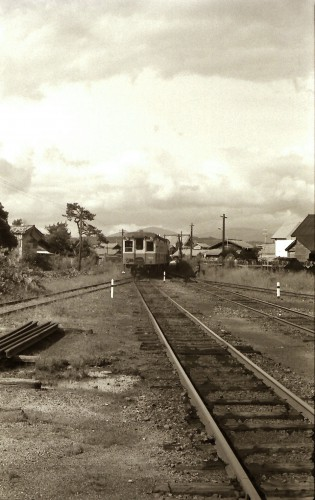 下り列車発車1