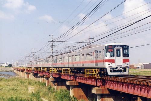 姫路ライナーが加古川を渡る