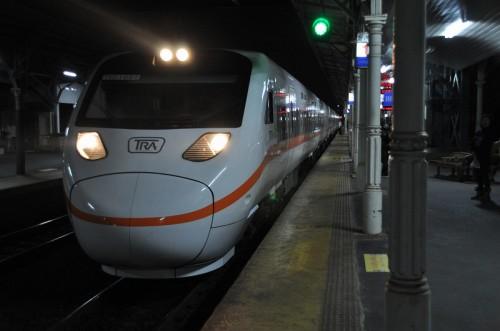 タロコ号 TEMU1000型 台中駅