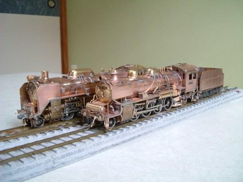 D51と一緒に、洗いを終え塗装直前の姿。真鍮生地が美しい。