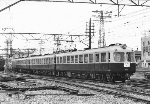 1959年秋には4連3本3連1本に組み替えられた。