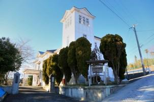 大正10年に建てられた旧四郷村役場 (現在は郷土資料館)