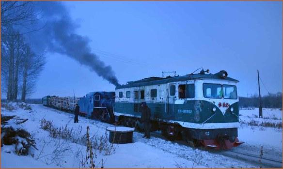 09_DL前補機列車