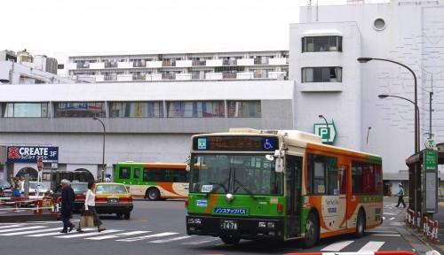 25-6-1西新井都バス発車