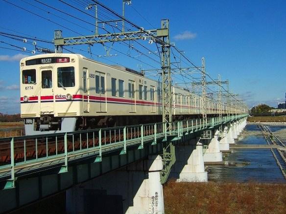 s-08.1125聖蹟桜ケ丘6774下特急