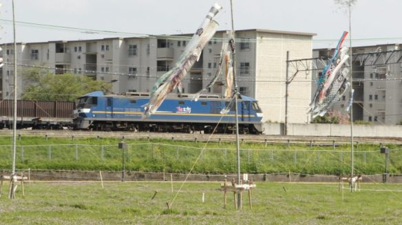 押し太郎(EF210-302)が牽く、1881レ