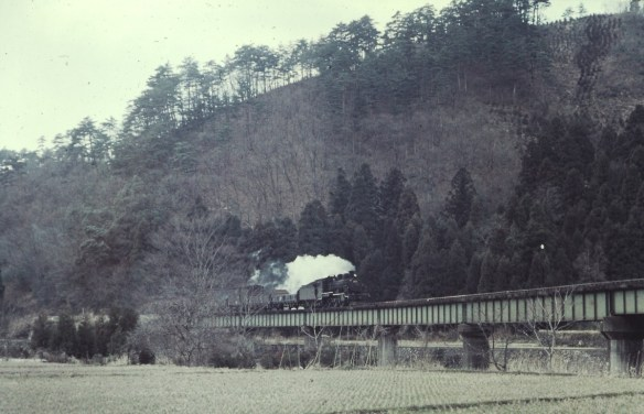 市波-小和清水間 足羽川鉄橋を行く 8153レ