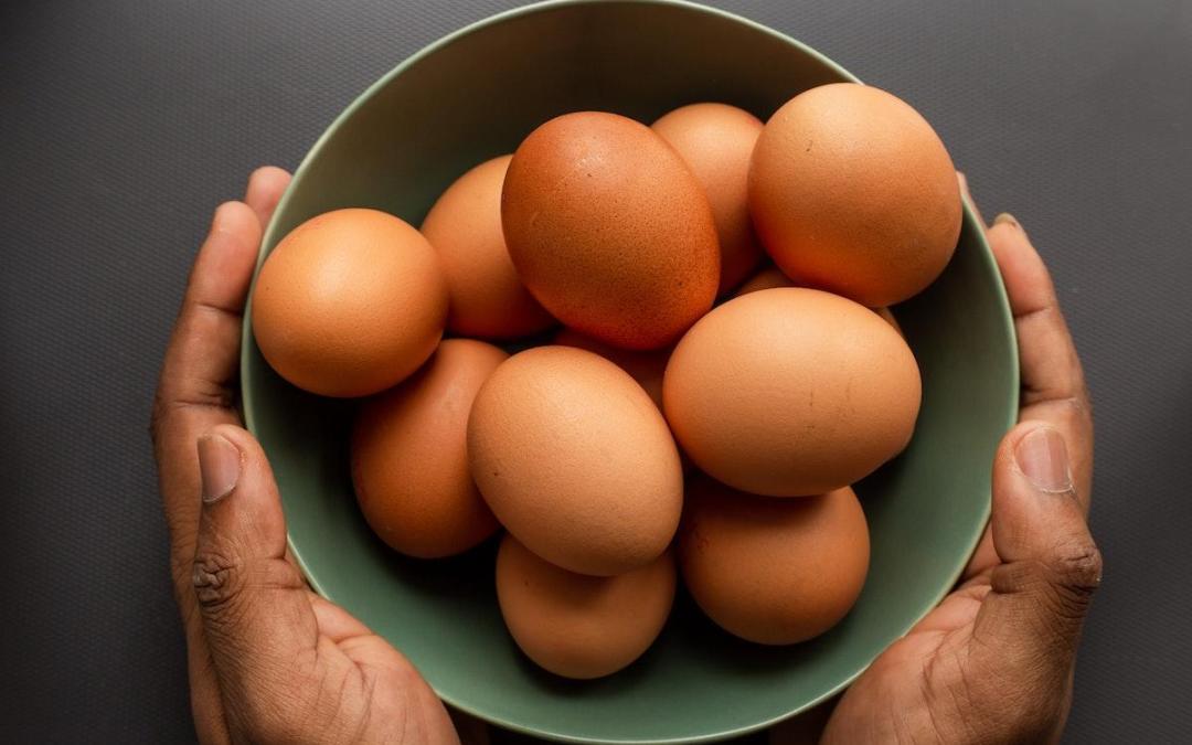Health Coach Tip – Eat the Whole Egg