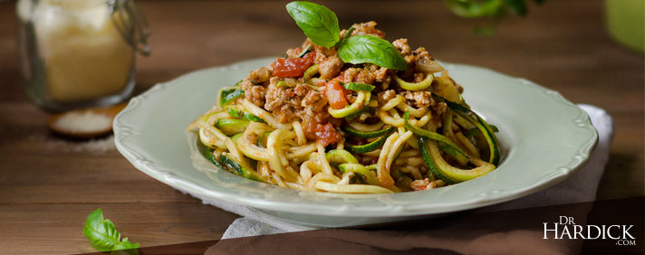 blog-banner_zucchini-noodles-tomato-meat-sauce