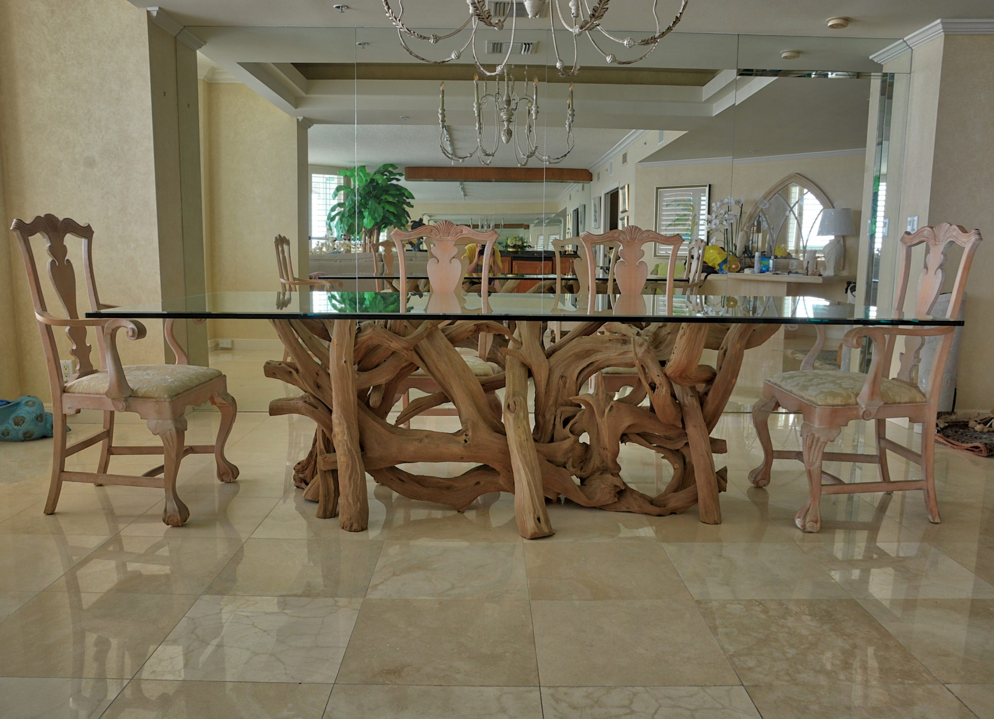 driftwood-dining-table