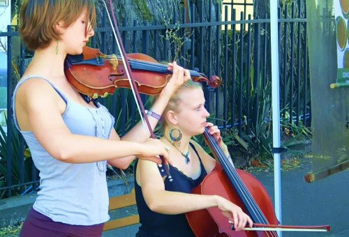 OY VEY! Two travelling German students play and sing Yiddish tunes at the Duncan Farmer's Market....INCREDIBLE!