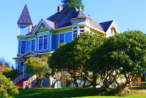 House halfway up a hill. An example of how many homes in Astoria have been restored