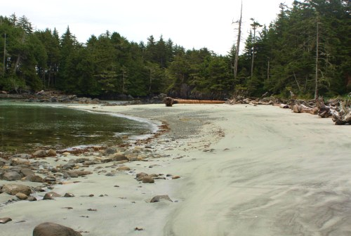Gosling Island, Goose Group. Empty white sand beaches in all directions.