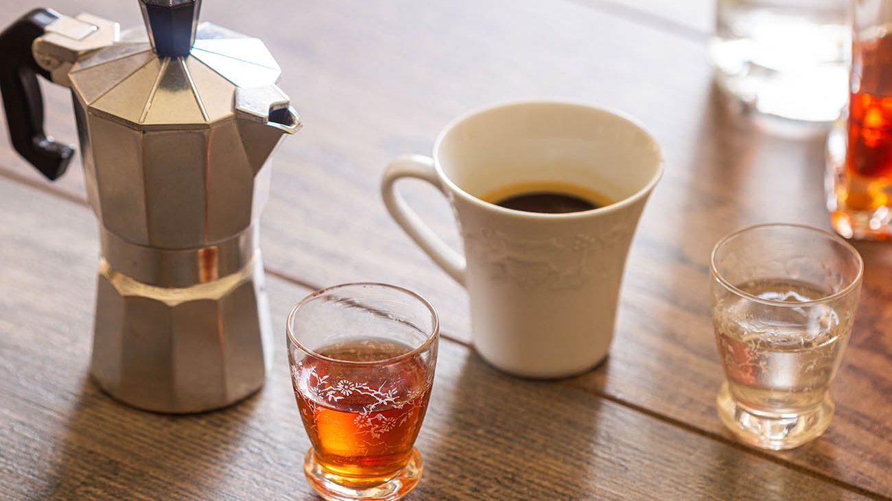 Caffè corretto, resentin e ammazzacaffè: 5 idee oltre la grappa
