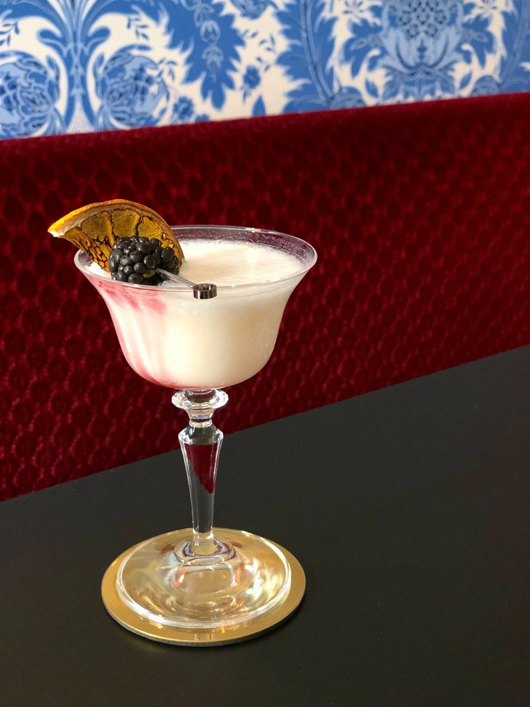 drink VAMPIRE'S BREAKFAST di Sabina Yausheva, bartender del Bar Julep dell'Hotel de la Ville di Roma