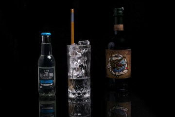 Croc n tonic drink