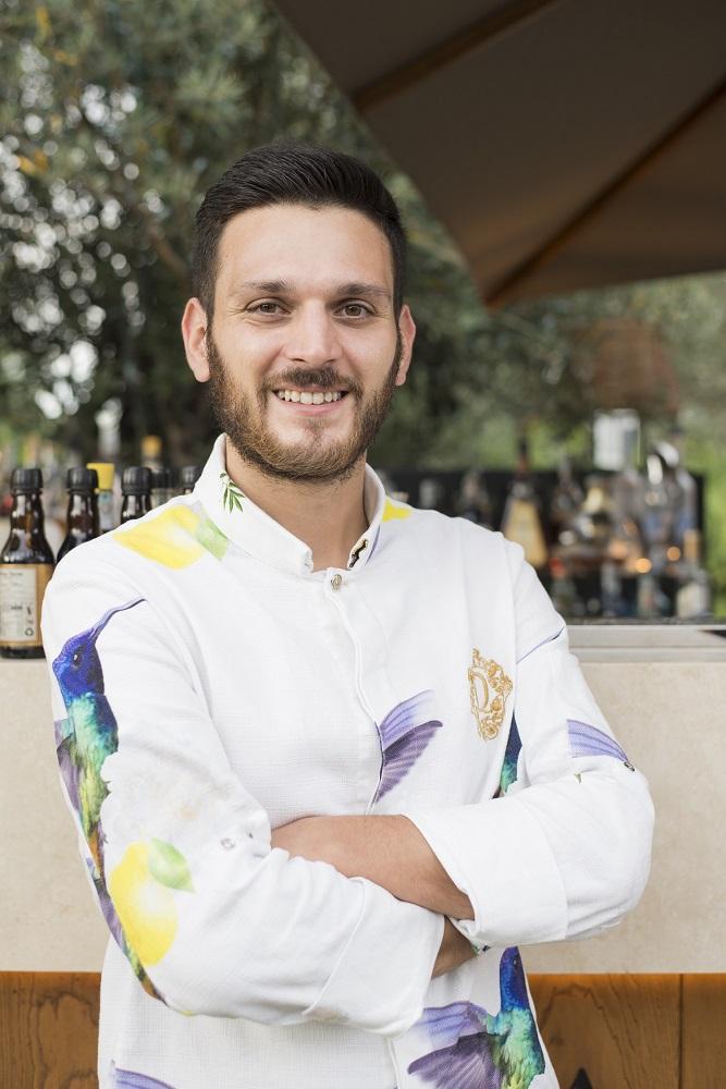 Riccardo Martellucci barman QVINTO a Roma - photo by Miro Caruso 11