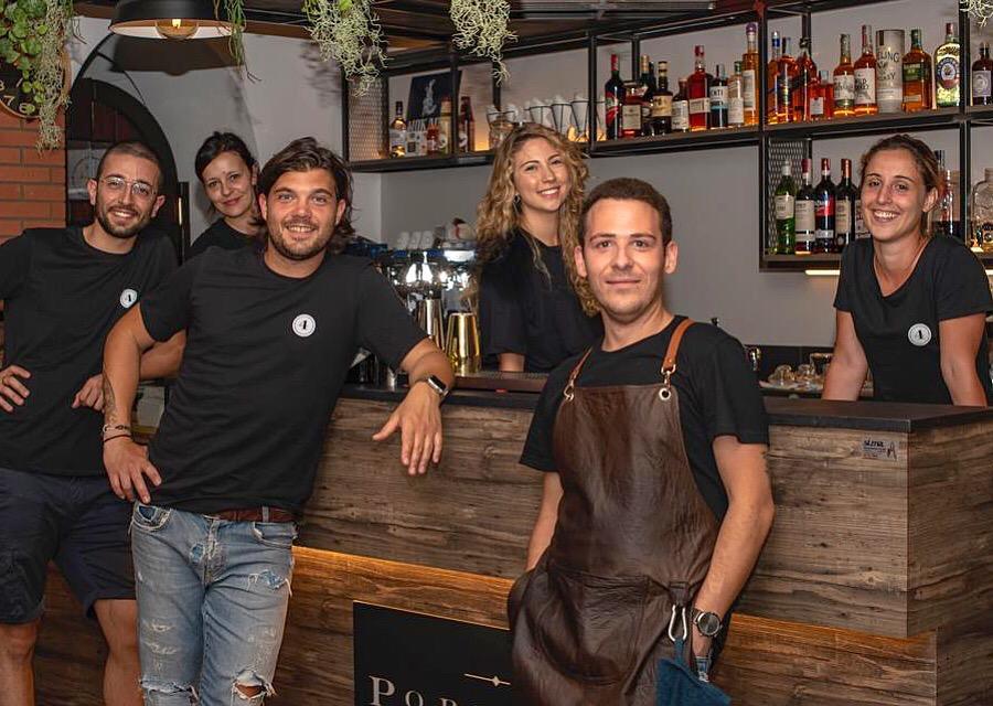 Jonathan Bergamasco e la crew del Portico 4 di Vercelli
