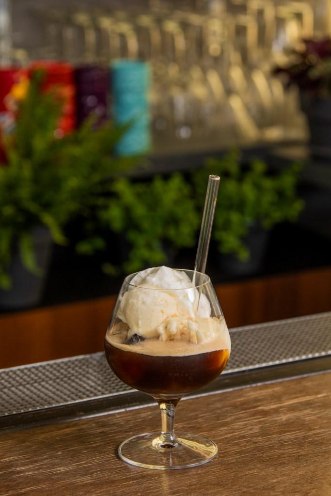 Tiramisu Colada cocktail con gelato