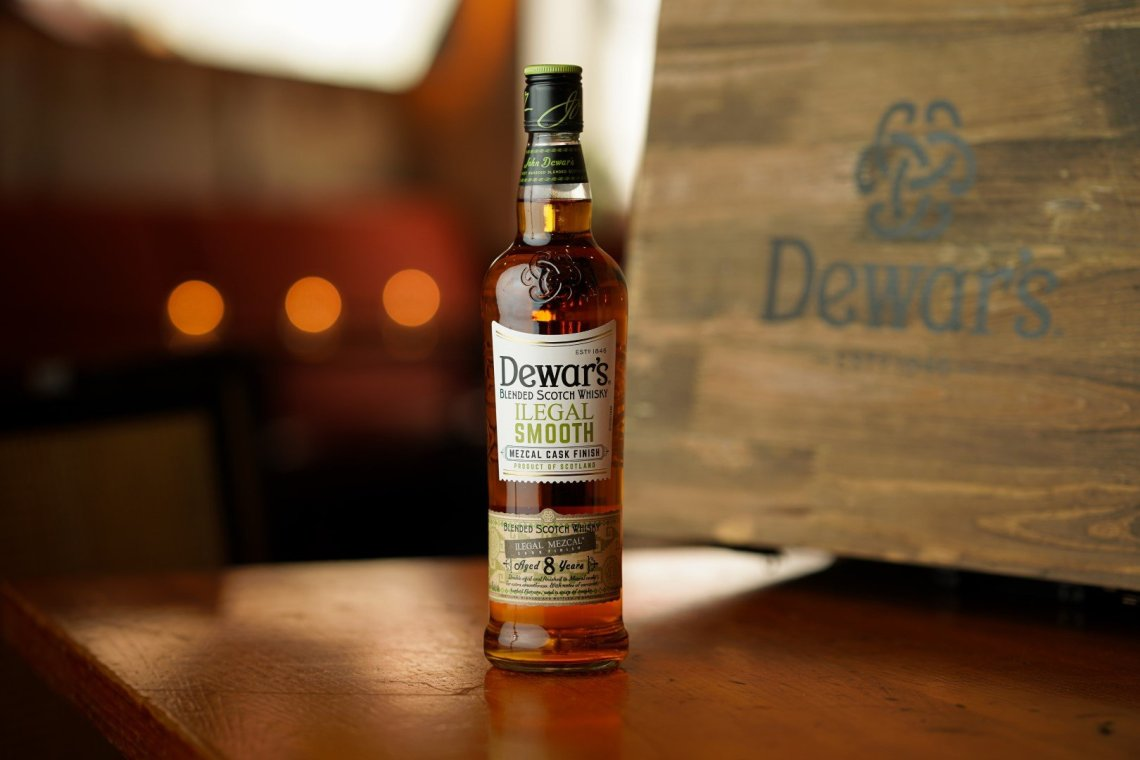 Dewar's Ilegal Smooth Mezcal Cask Finish 8 Years Old