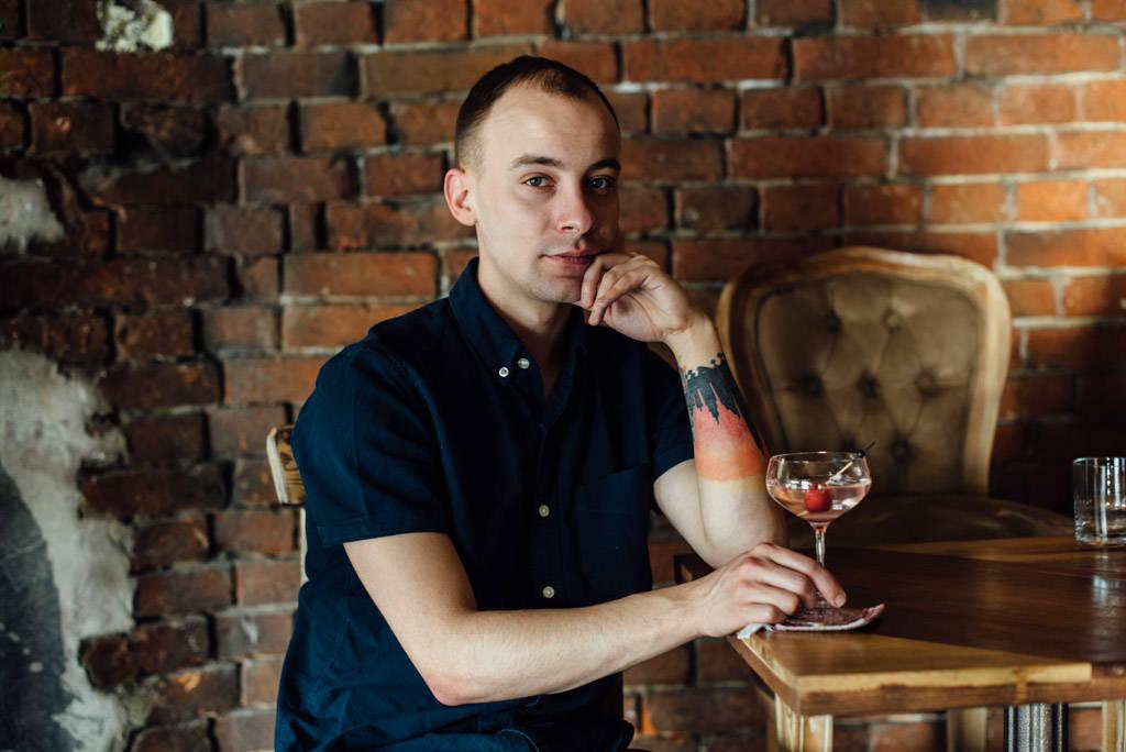 ejov-bartender