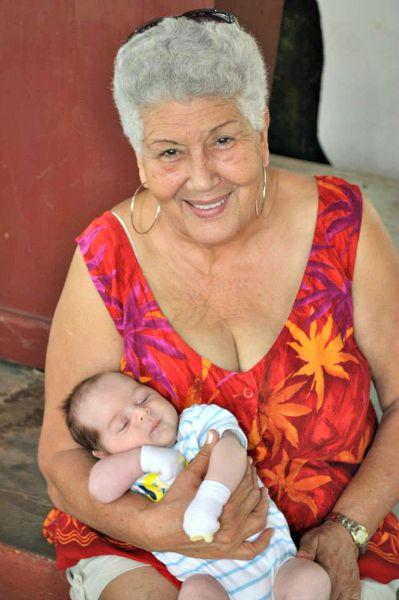 Nana aunt-cousin