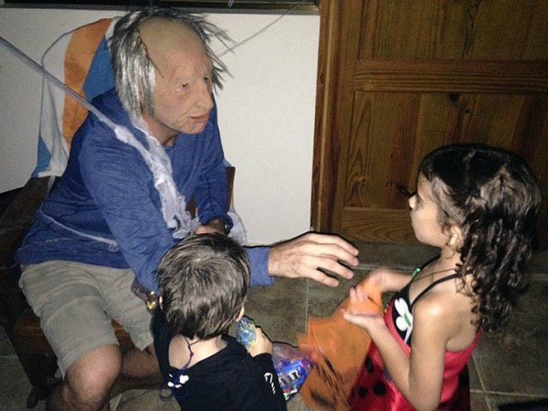 trick or treating in Dominican Republic