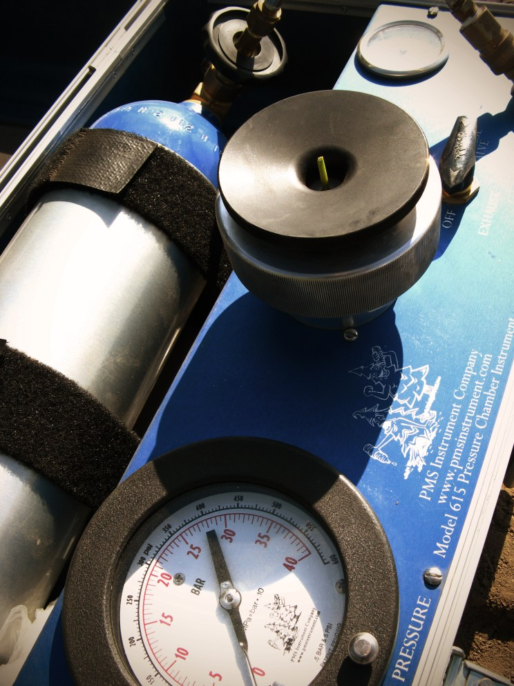 pressure bomb