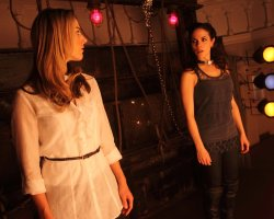 Bo and Lauren in Lost Girl 2x08
