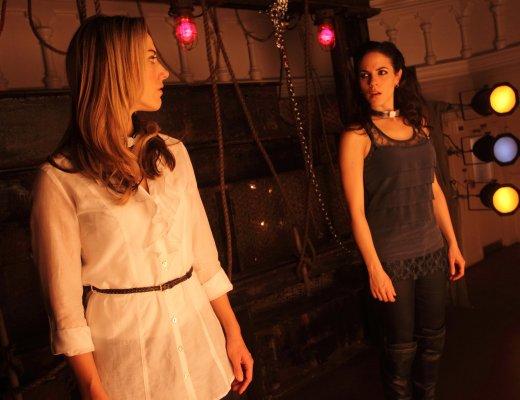 Bo and Lauren in Lost Girl 2x08