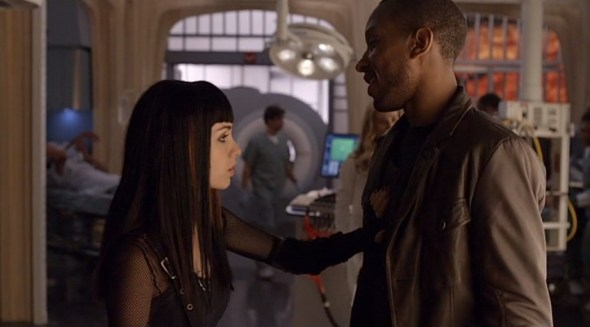 Kenzi and Hale in Blood Lines