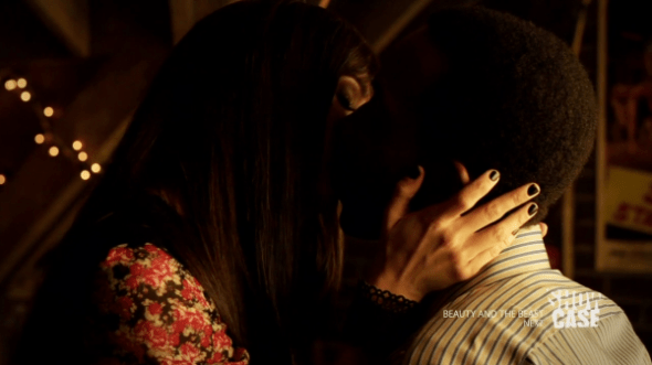 Kenzi and Hale kissing in End of a Line