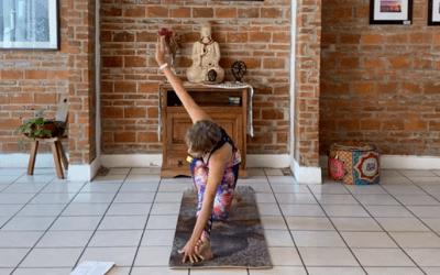 1hr Intermediate Hatha Yoga (English)