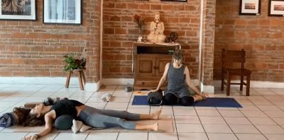 1hr Meditative Restorative Yoga (English)