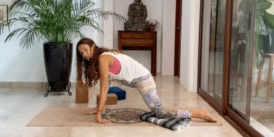 20min Yin Gentle Yoga for Hips (English)
