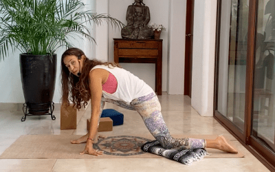 20min Yin Gentle Yoga for Hips (English)