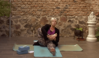 50min Therapeutic Yoga with a Focus on Knees and Feet