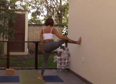 45min Hatha Yoga Focussing on Hamstrings