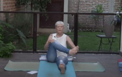 45min Gentle Yoga with a Focus on Hands and Feet