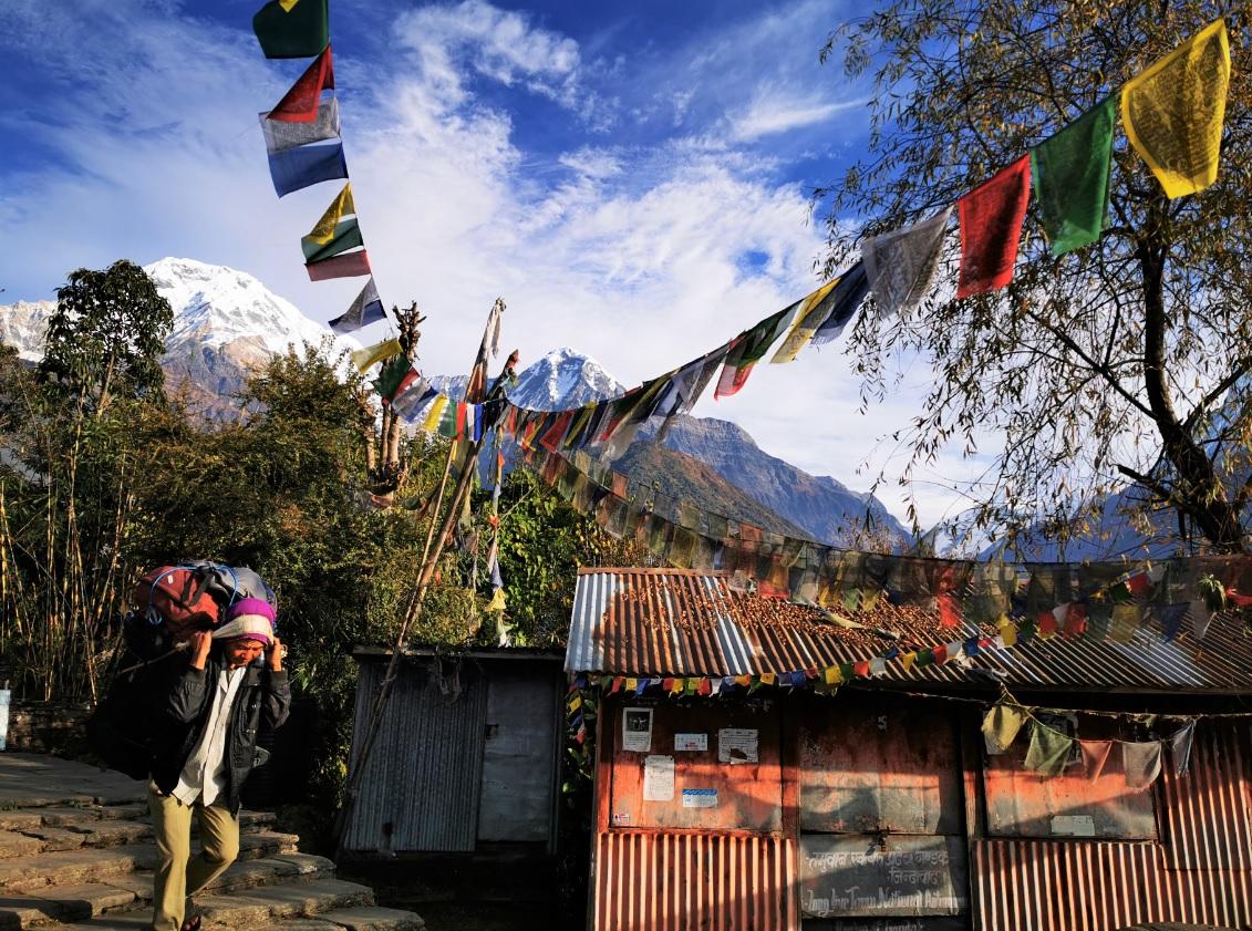 trekking dell'annapurna foto